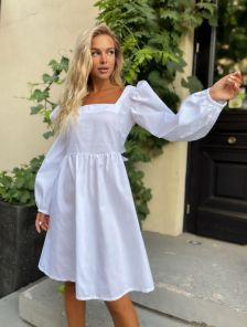 Белое летнее хлопковое платье с квадратным вырезом, открытой спинкой и бантом