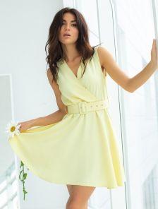 Желтое короткое платье на лето