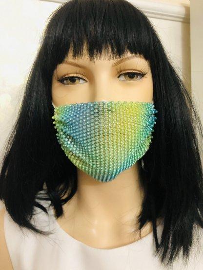 Нарядная светлая маска с камушками, фото 1