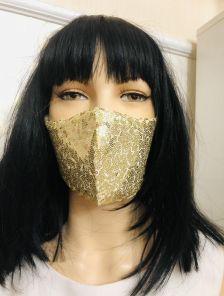 Красивая маска с паетками