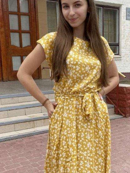 Летнее желтое штапельное платье с цветочным принтом, фото 1