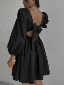 Черное летнее хлопковое платье с квадратным вырезом, открытой спинкой и бантом