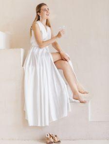 Роскошное длинное вечернее платье молочного цвета