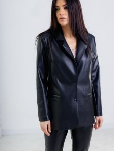 Свободный женский черный пиджак из экокожи