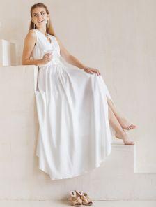 Роскошное длинное платье молочного цвета