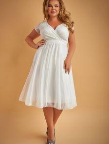Вечернее платье миди белого цвета большого размера под пояс