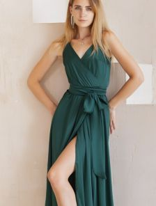 Зеленое легкое платье миди на бретелях