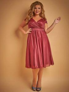Блестящее платье длины миди цвета марсала