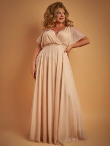 Длинное золотистое блестящее платье в пол с запахом по груди