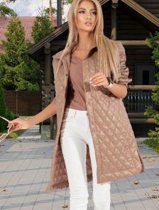 Модная бежевая куртка оверсайз из плащевки с карманами