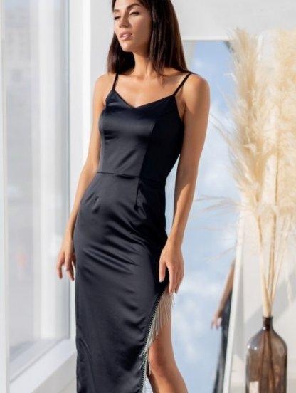 Элегантное нарядное черное атласное платье с разрезом, фото 1