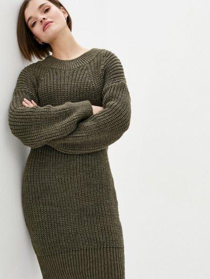 Вязаное теплое платье на длинный рукав цвета хаки, фото 1
