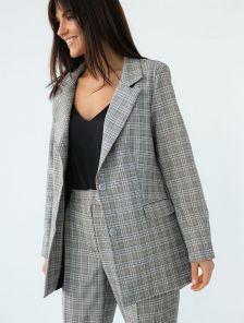 Серый с принтом в клетку брючный костюм двойка с пиджаком