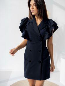 Черное платье-пиджак с пышными воланами на запах
