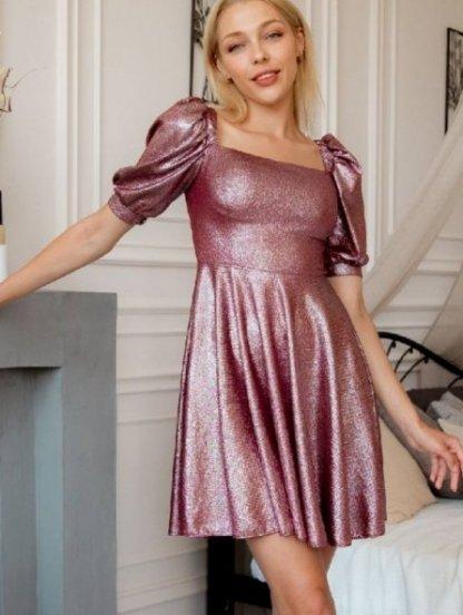 Бордовое блестящее платье с прямоугольным вырезом, фото 1