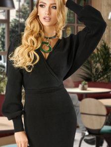 Вязанное платье с рукавом черного цвета