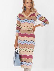 Вязанное теплое платье с рукавом светло бежевого цвета