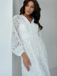 Белое кружевное платье на длинный рукав