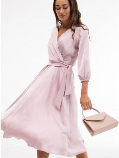 Нарядное пудровое атласное платье миди с запахом и рукавом 3/4, фото 1