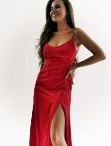 Шелковое красное легкое платье