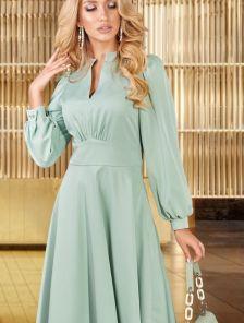 Платье ниже колен с поясом фисташкового цвета