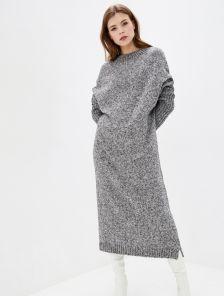 Вязаное длинное серое платье свободного кроя
