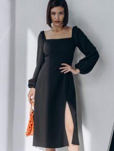 Черное классическое платье с квадратным вырезом на длинный рукав