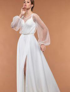 Молочное длинное платье в пол с разрезом по ноге
