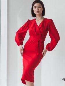 Красное классическое платье футляр миди длины на длинный рукав
