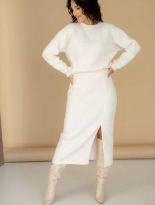 Стильный теплый белый женский костюм