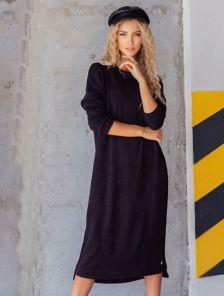 Теплое черное платье длины миди свободного кроя