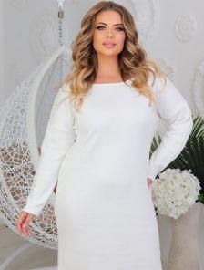 Теплое белое платье свободного кроя