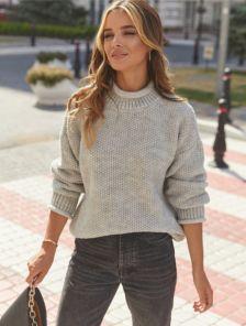 Теплый вязаный стильный серый свитер