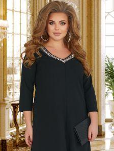 Женственное платье черного цвета