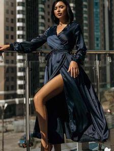 Нарядное шелковое платье миди на длинный рукав