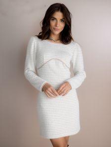 Короткое теплое платье с длинным рукавом бежевого цвета