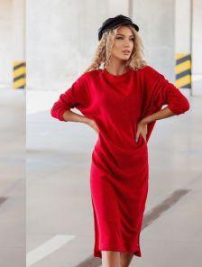 Теплое красное платье длины миди свободного кроя