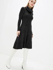 Вязанное черное платье с юбкой клеш