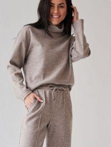 Женский теплый шерстяной костюм с прямыми брюками