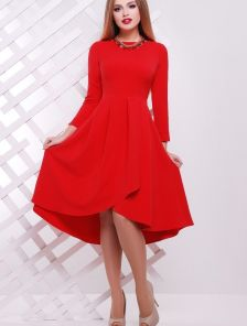 Элегантное платье красного цвета
