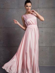 Длинное платье светлого пудрового цвета