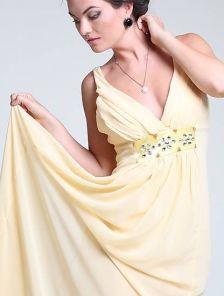 Длинное платье для выпускного вечера с камнями