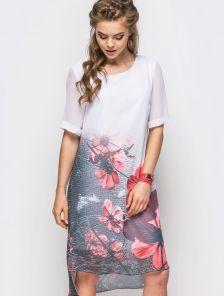 Шифоновое асимметричное платье с ярким принтом