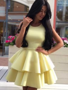 Женственное и кокетливое платье Baby Doll в желтом цвете