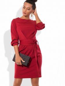 Эффектное красное платье под пояс