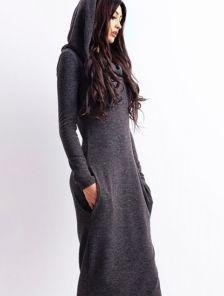Длинное платье с капюшоном на зиму
