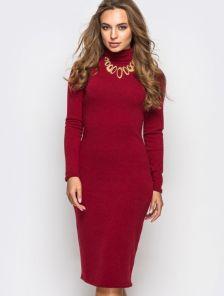 Элегантное теплое платье-гольф в бордовом цвете