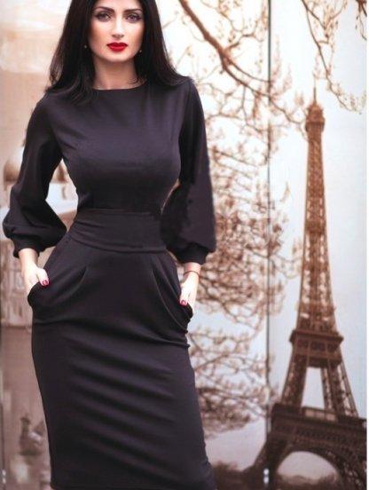Трикотажное платье по колена, фото 1
