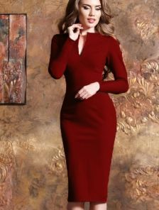 Однотонное платье-футляр с длинным рукавом