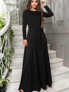 Черное длинное платье с пышной юбкой клеш